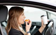 тема для шоу, еда в автомобиле