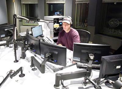 многие хотят стать радиоведущим