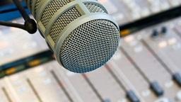 микрофон радиоведущего