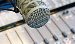 радиоведущие записывают демо