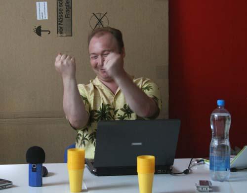 Алексей Зверев ведет семинар в ФНР